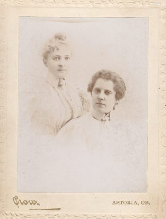 Cabinet card by the Crow studio in Astoria, Oregon (date unknown). (Courtesy McIntyre-Culy Collection)