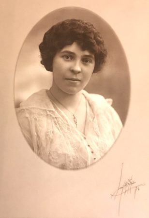 Libby Art Studio, 1916, photo of a young woman (McIntyre-Culy Collecton)