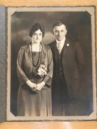 Portrait of a man and woman, Peasley studio, Portland, Oregon (Courtesy McIntyre-Culy Collection)