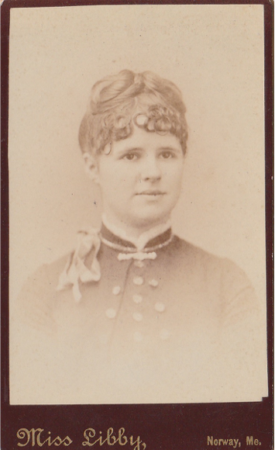 Photo of a young woman, by Miss Libby (McIntyre/Culy Private Collection)