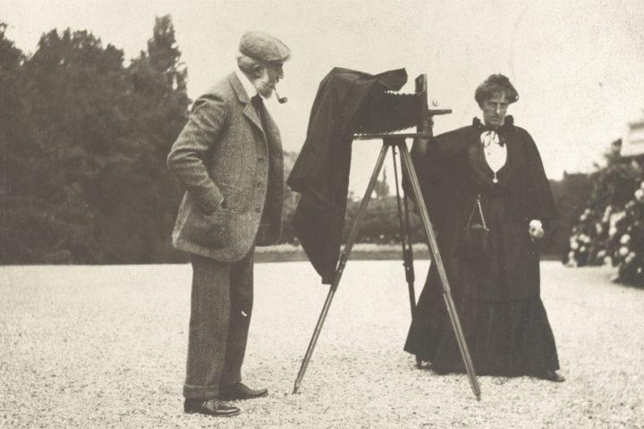 Gertrude Käsebier (and friend), 1905; photo by Frances Benjamin Johnston